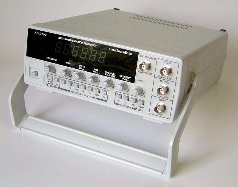 XG2102