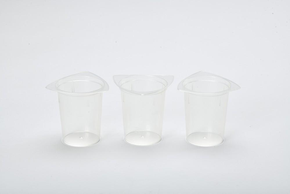 LOT 3 Béchers en plastique
